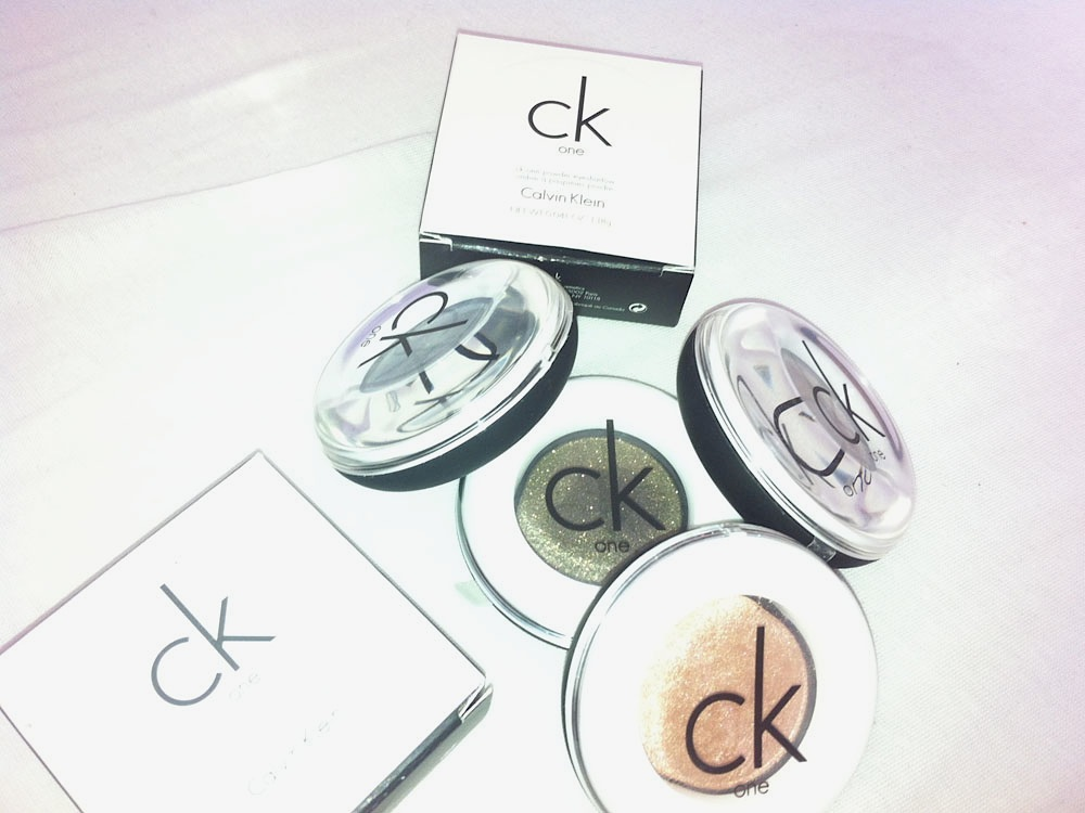 cK one mono powder eyeshadow