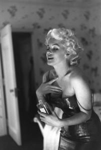 Nur ein paar Tropfen von dem Parfum genügen... Credit: Chanel