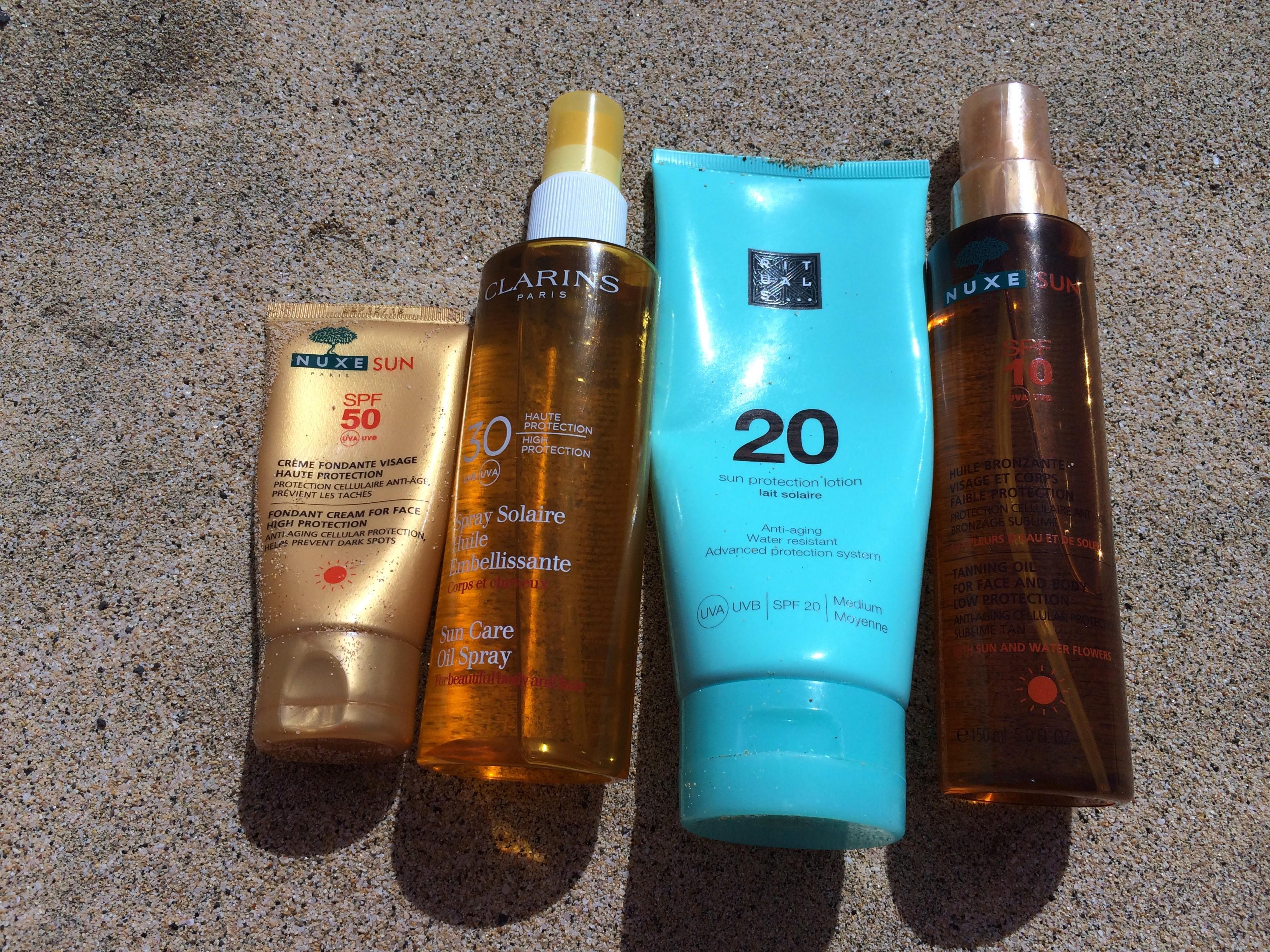 Der Sonnenschutz-Test mit Produkten von Nuxe, Rituals und Clarins.