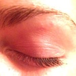 Meine Wimpern im ungeschminkten Zustand - vor dem Serum.
