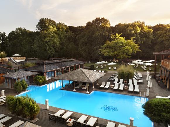 Vabali-Spa-Poolbereich-Außen