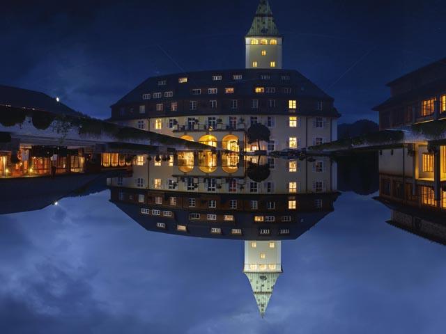 Yoga-Gipfel-Schloss-Elmau-Ansicht