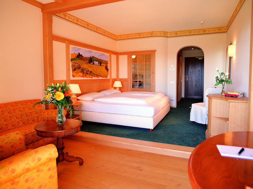 Adler-Thermae-Spa-und-Relax-Resort-Toskana-Zimmer-Interieur