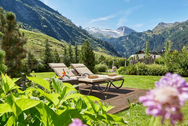 alpengarten-ruhebereich-sommer