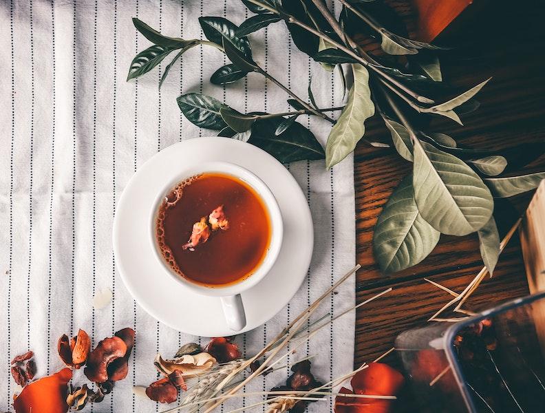 Tee trinken fuer schoene Haut